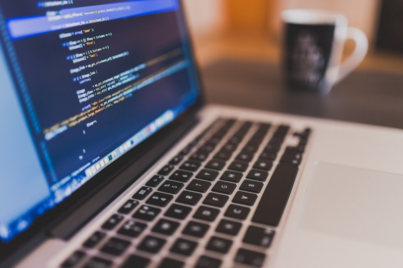 My journey to becoming a web developer from scratch without a CS degree  (and what I learned from…